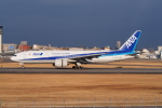 GirlsGenerationさんが、伊丹空港で撮影した全日空 777-281/ERの航空フォト(写真)