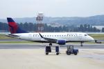 狛犬さんが、ロナルド・レーガン・ワシントン・ナショナル空港で撮影したデルタ・コネクション ERJ-170-100 SU (ERJ-170SU)の航空フォト(写真)