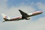 S-Hawkさんが、成田国際空港で撮影したアメリカン航空 777-223/ERの航空フォト(飛行機 写真・画像)