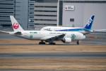 ヤスシさんが、羽田空港で撮影した日本航空 777-246の航空フォト(写真)