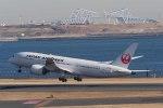 Re4/4さんが、羽田空港で撮影した日本航空 787-8 Dreamlinerの航空フォト(写真)