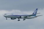やまちゃんKさんが、那覇空港で撮影した全日空 767-381/ERの航空フォト(写真)