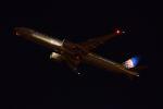 木人さんが、成田国際空港で撮影したユナイテッド航空 777-322/ERの航空フォト(写真)