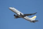TRdenさんが、名古屋飛行場で撮影したフジドリームエアラインズ ERJ-170-200 (ERJ-175STD)の航空フォト(写真)