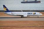 kumagorouさんが、神戸空港で撮影したスカイマーク 737-8HXの航空フォト(写真)