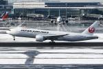 sky-spotterさんが、羽田空港で撮影した日本航空 777-246/ERの航空フォト(写真)
