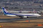HEATHROWさんが、伊丹空港で撮影した全日空 767-381の航空フォト(写真)