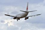 鈴鹿@風さんが、那覇空港で撮影した日本トランスオーシャン航空 737-446の航空フォト(写真)