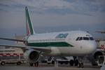 JA8037さんが、レオナルド・ダ・ヴィンチ国際空港で撮影したアリタリア航空 A320-214の航空フォト(写真)