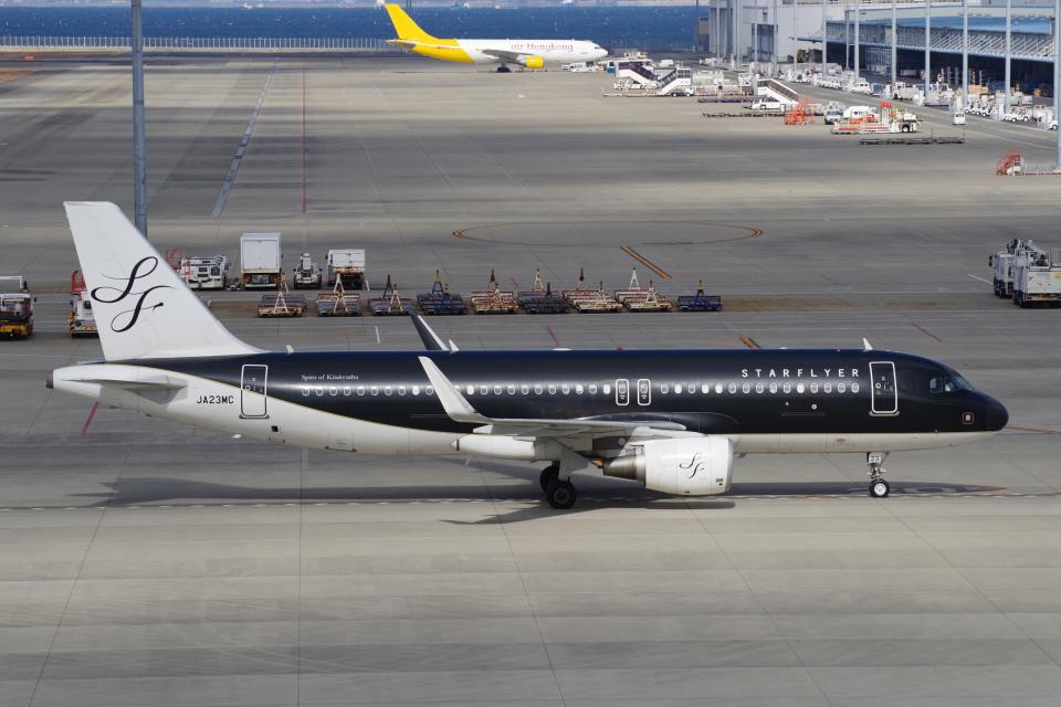 yabyanさんのスターフライヤー Airbus A320 (JA23MC) 航空フォト