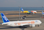 mojioさんが、羽田空港で撮影した全日空 767-381/ERの航空フォト(飛行機 写真・画像)