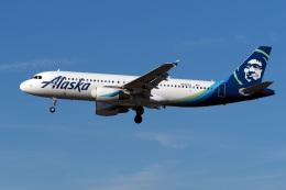 LAX Spotterさんが、ロサンゼルス国際空港で撮影したアラスカ航空 A320-214の航空フォト(写真)