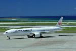 kumagorouさんが、那覇空港で撮影した日本航空 777-346の航空フォト(飛行機 写真・画像)