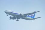 中村 昌寛さんが、新千歳空港で撮影した全日空 767-381/ERの航空フォト(写真)