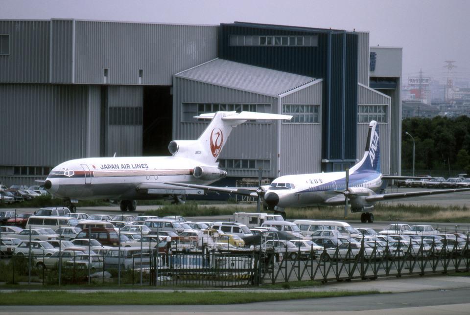 Gambardierさんの日本航空 Boeing 727-100 (JA8326) 航空フォト