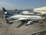 FlyHideさんが、メキシコ・シティ国際空港で撮影したアエロメヒコ航空 737-852の航空フォト(写真)