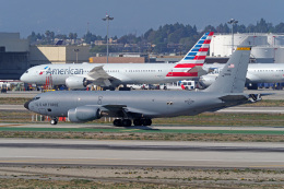 LAX Spotterさんが、ロサンゼルス国際空港で撮影したアメリカ空軍 KC-135R Stratotanker (717-148)の航空フォト(飛行機 写真・画像)