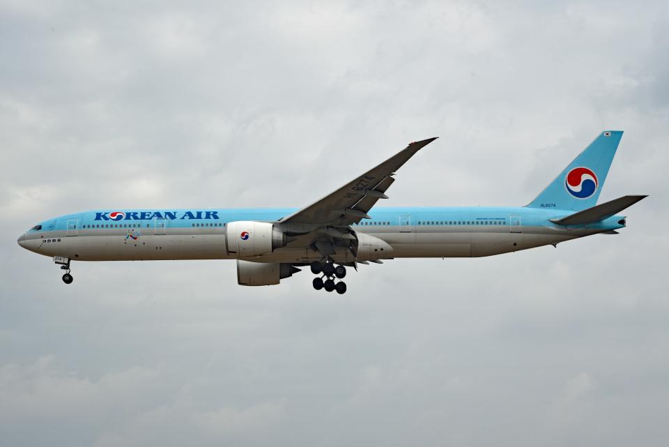 tsubasa0624さんの大韓航空 Boeing 777-300 (HL8274) 航空フォト