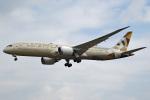 tsubasa0624さんが、成田国際空港で撮影したエティハド航空 787-9の航空フォト(飛行機 写真・画像)