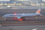 HEATHROWさんが、羽田空港で撮影した日本航空 777-289の航空フォト(写真)