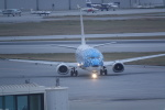 nobu2000さんが、那覇空港で撮影した日本トランスオーシャン航空 737-4Q3の航空フォト(写真)