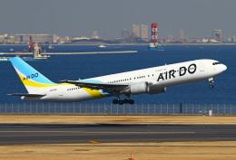 りんたろうさんが、羽田空港で撮影したAIR DO 767-33A/ERの航空フォト(写真)