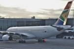 masa707さんが、ロンドン・ヒースロー空港で撮影した南アフリカ航空 A330-243の航空フォト(写真)