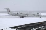 北の熊さんが、新千歳空港で撮影した東方公務航空 EMB-135BJ Legacy 650の航空フォト(写真)