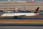 シュウさんが、羽田空港で撮影したエア・カナダ 777-233/LRの航空フォト(写真)