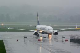 panchiさんが、ヨハネパウロ2世・クラクフ・バリツェ国際空港で撮影したライアンエア 737-8ASの航空フォト(飛行機 写真・画像)