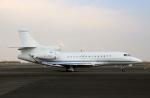 スポット110さんが、羽田空港で撮影したプライベートエア Falcon 7Xの航空フォト(写真)