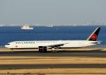 じーく。さんが、羽田空港で撮影したエア・カナダ 777-333/ERの航空フォト(飛行機 写真・画像)