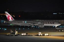 Izumixさんが、成田国際空港で撮影したカタール航空 777-2DZ/LRの航空フォト(飛行機 写真・画像)