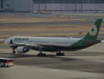 さゆりんごさんが、羽田空港で撮影したエバー航空 A330-302の航空フォト(写真)