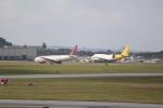 OMAさんが、嘉手納飛行場で撮影したオムニエアインターナショナル 777-2U8/ERの航空フォト(飛行機 写真・画像)