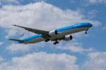 ぱん_くまさんが、成田国際空港で撮影したKLMオランダ航空 777-306/ERの航空フォト(写真)