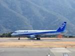 よんすけさんが、八丈島空港で撮影した全日空 A320-211の航空フォト(写真)