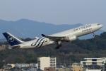 ウッディーさんが、福岡空港で撮影した大韓航空 A330-223の航空フォト(写真)