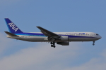 じゃりんこさんが、成田国際空港で撮影した全日空 767-381の航空フォト(写真)