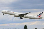 安芸あすかさんが、パリ オルリー空港で撮影したエールフランス航空 777-328/ERの航空フォト(写真)