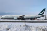 セブンさんが、新千歳空港で撮影したキャセイパシフィック航空 777-367の航空フォト(写真)