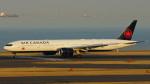 tkosadaさんが、羽田空港で撮影したエア・カナダ 777-333/ERの航空フォト(写真)