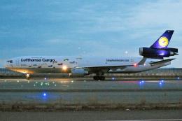 sachiさんが、関西国際空港で撮影したルフトハンザ・カーゴ MD-11Fの航空フォト(写真)