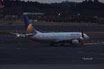 Cスマイルさんが、成田国際空港で撮影したユナイテッド航空 737-824の航空フォト(写真)