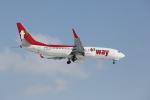 ATOMさんが、新千歳空港で撮影したティーウェイ航空 737-8ALの航空フォト(写真)