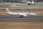 krozさんが、羽田空港で撮影したジェイ・エア ERJ-190-100(ERJ-190STD)の航空フォト(写真)