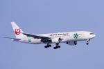 yabyanさんが、新千歳空港で撮影した日本航空 777-246の航空フォト(飛行機 写真・画像)