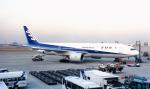 yuenronさんが、羽田空港で撮影した全日空 777-281の航空フォト(写真)