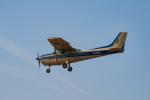 Takeshi90ssさんが、調布飛行場で撮影した東京航空 172P Skyhawk IIの航空フォト(写真)