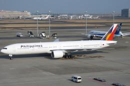 SFJ_capさんが、羽田空港で撮影したフィリピン航空 777-3F6/ERの航空フォト(写真)